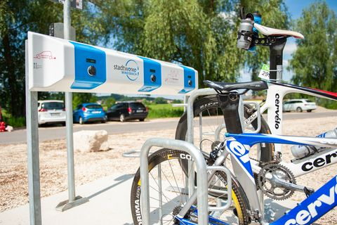 E-Bike-Ladestation am Waldstrandbad
